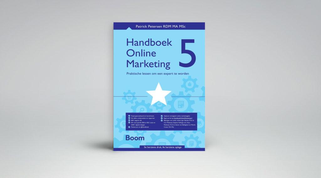 In Het Handboek Online Marketing introduceert Patrick Petersen nieuwe en evalueert oude marketingmodellen.